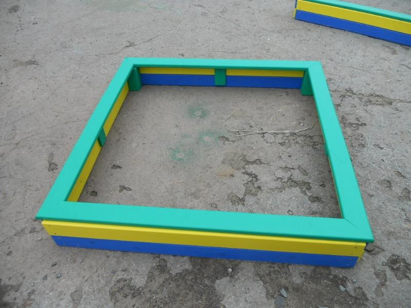 Песочница покрашенная