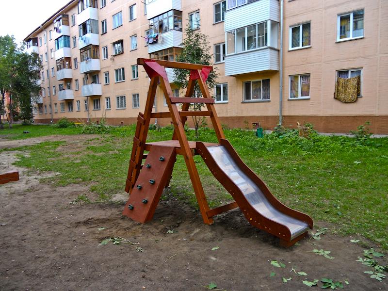 Детская уличная горка